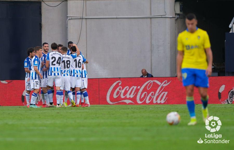 La Real se muestra muy superior en Cádiz (0-2)